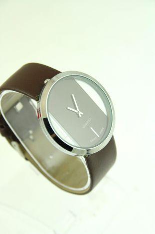 Brązowy zegarek damski na skórzanym pasku                                  zdj.                                  2