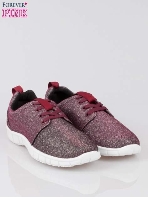 Burgundowe buty sportowe textile Diamonds z metaliczną nitką                              zdj.                              2