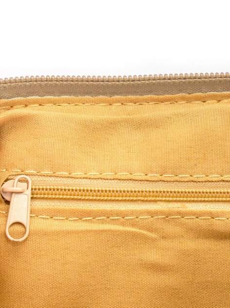 Camelowa kopertówka z dżetami motyw ust                                  zdj.                                  6
