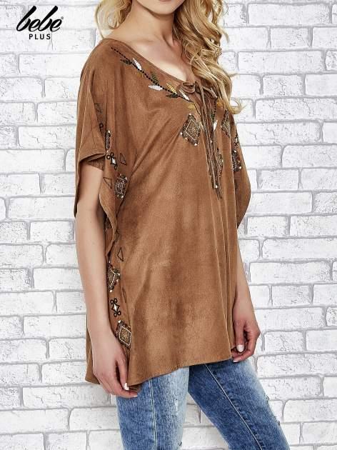 Camelowa zamszowa bluzka z haftem w stylu boho                                  zdj.                                  3
