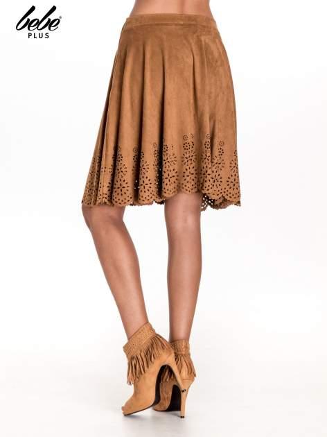 Camelowa zamszowa spódnica w stylu boho                                  zdj.                                  4