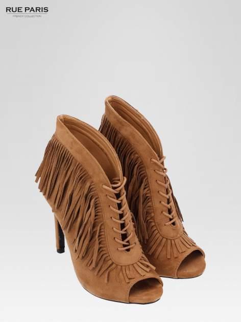 Camelowe sznurowane botki faux suede Lea open toe z frędzlami                                  zdj.                                  7