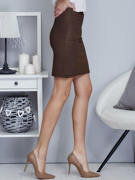 Ciemnobeżowa spódnica w delikatny strukturalny wzór                                  zdj.                                  5