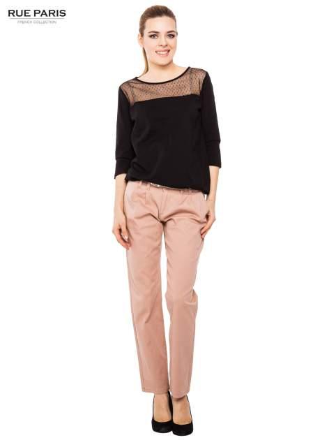 Ciemnobeżowe spodnie z paskiem z lakierowanej skóry                                  zdj.                                  5