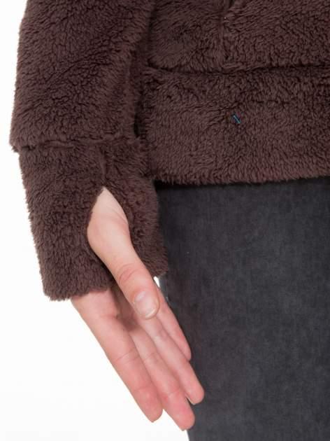 Ciemnobrązowa polarowa bluza miś z kapturem z uszkami i pomponami                                  zdj.                                  10