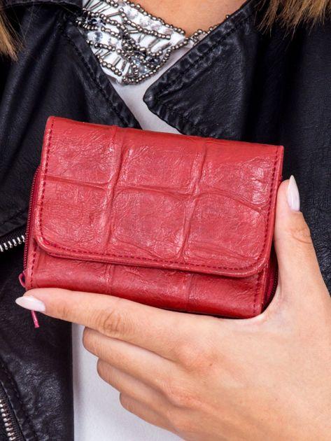 Ciemnoczerwony tłoczony portfel damski