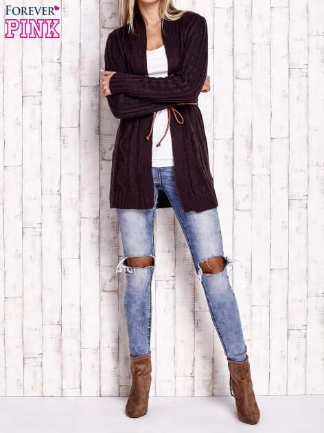 Ciemnofioletowy dzianinowy sweter z wiązaniem                                  zdj.                                  2