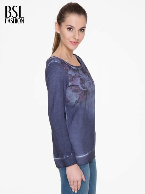 Ciemnoniebieska bluza z efektem cieniowania i napisem CHIC                                  zdj.                                  3