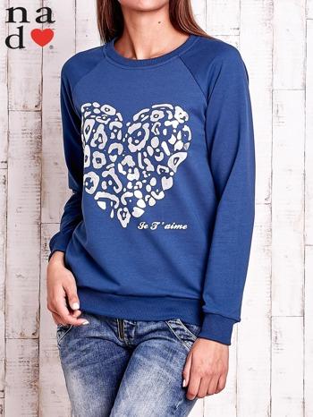 Ciemnoniebieska bluza z nadrukiem serca i napisem JE T'AIME                                   zdj.                                  1