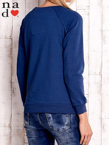 Ciemnoniebieska bluzka z napisem ZOŁZA                                  zdj.                                  4