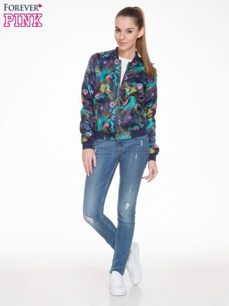 Ciemnoniebieska kurtka bomber jacket w tropical print                                  zdj.                                  2