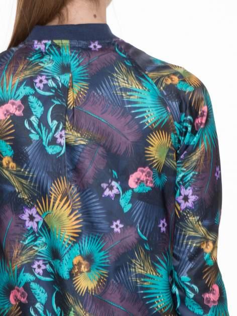Ciemnoniebieska kurtka bomber jacket w tropical print                                  zdj.                                  5