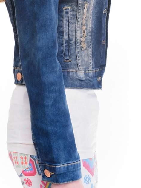 Ciemnoniebieska kurtka jeansowa damska z cieniowaniem i poszarpaniem                                  zdj.                                  6
