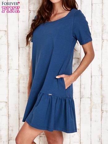 Ciemnoniebieska sukienka dresowa z falbanami z boku                                  zdj.                                  3