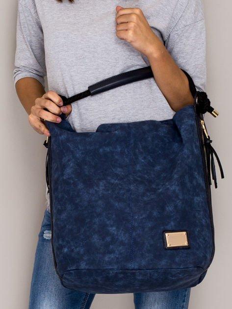 Ciemnoniebieska torba z bocznymi suwakami                                  zdj.                                  1