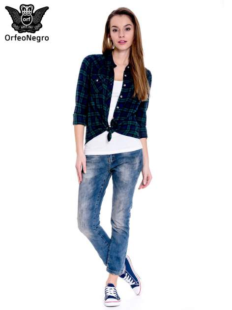 Ciemnoniebieskie spodnie girlfriend jeans z przetarciami                                  zdj.                                  2