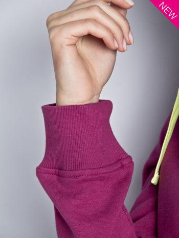Ciemnoróżowa dresowa bluza sportowa z kapturem                                  zdj.                                  6
