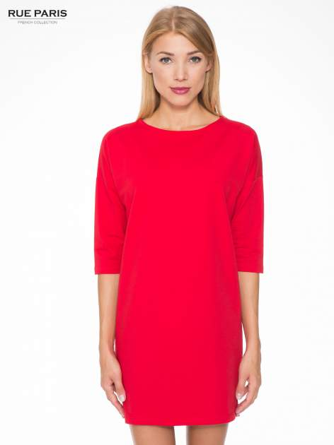 Ciemnoróżowa prosta sukienka z zamkiem z tyłu                                  zdj.                                  1