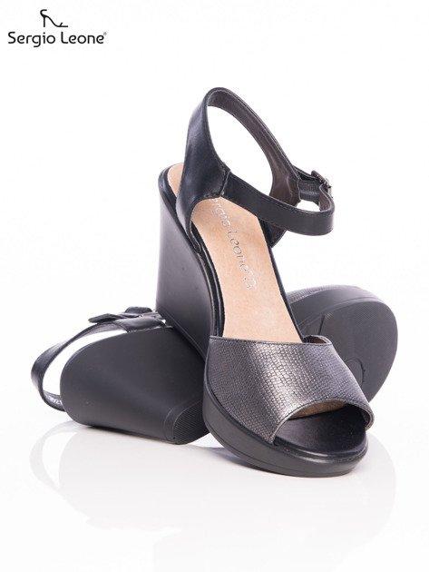 Ciemnosrebrne tłoczone sandały Sergio Leone na koturnach                                  zdj.                                  4