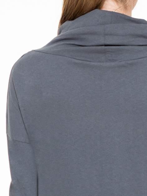 Ciemnoszara bluzka dresowa z kołnierzokapturem i ściągaczem na dole                                  zdj.                                  7