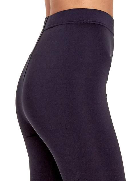 Ciemnoszare legginsy basic z lekkim ociepleniem                                  zdj.                                  6