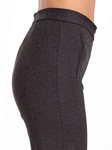 Ciemnoszare materiałowe spodnie dzwony w kant                                  zdj.                                  5