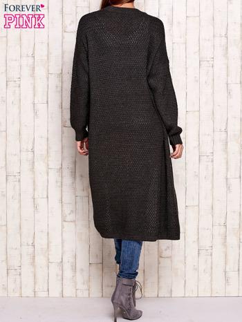 Ciemnoszary długi dzianinowy sweter                                  zdj.                                  4