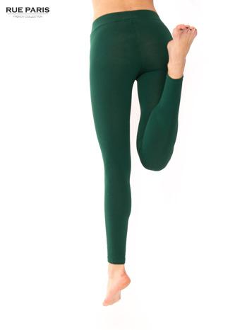 Ciemnozielone legginsy bawełniane z gumką w pasie