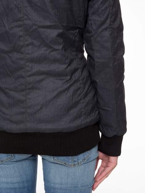 Ciepła kurtka zimowa z kapturem wykończonym futerkiem                                  zdj.                                  10