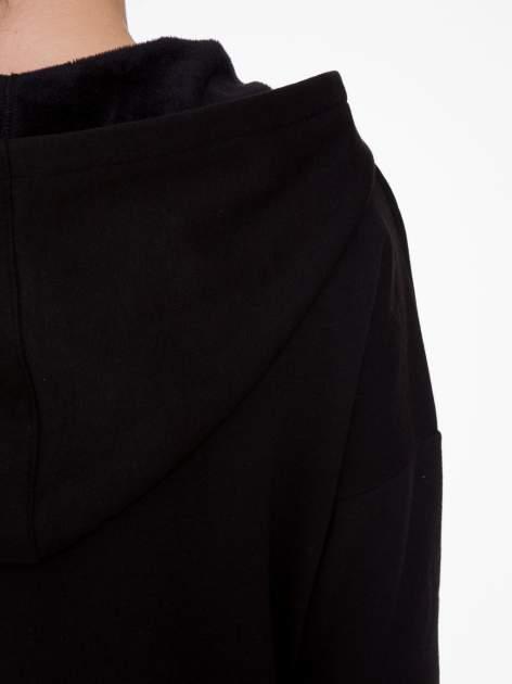 Czarna bluza dresowa z kapturem i suwakiem z boku                                  zdj.                                  10