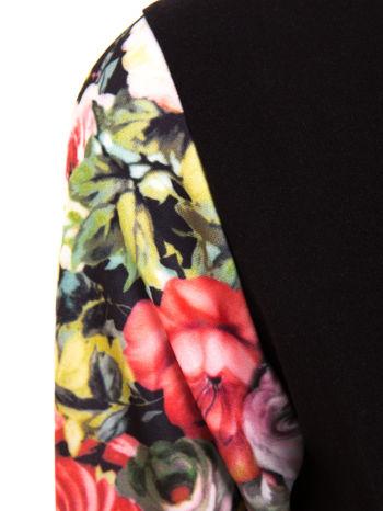 Czarna bluza dresowa z rękawami w motyw kwiatowy                                  zdj.                                  5