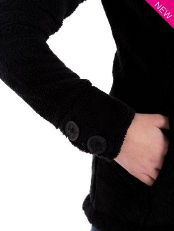 Czarna bluza pluszowa z wysokim kołnierzem                                  zdj.                                  9