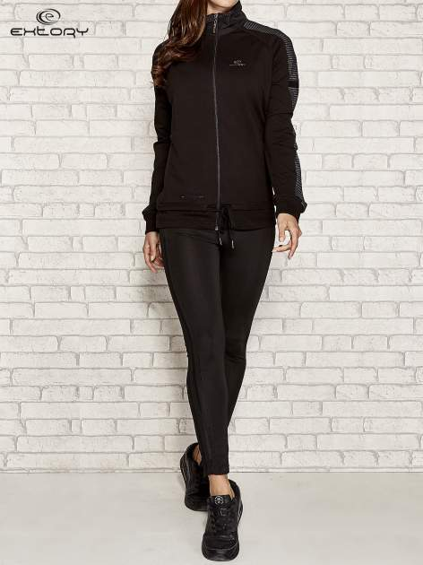 Czarna bluza sportowa fitness z wiązaniem                                  zdj.                                  3