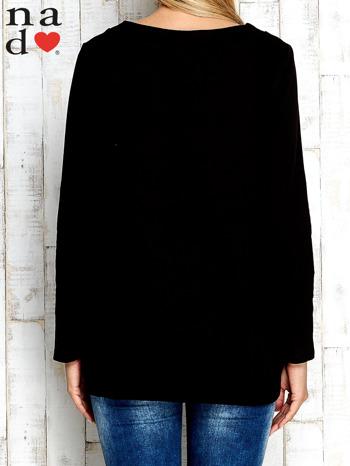 Czarna bluza z dekoltem w łódkę                                  zdj.                                  4