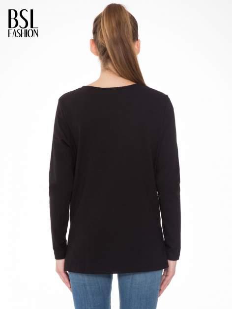 Czarna bluza z fotografią w stylu fashion                                  zdj.                                  4