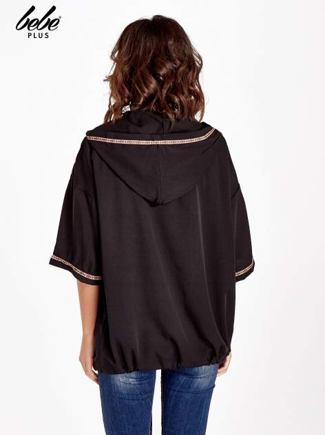 Czarna bluza z kapturem w stylu boho                                  zdj.                                  2
