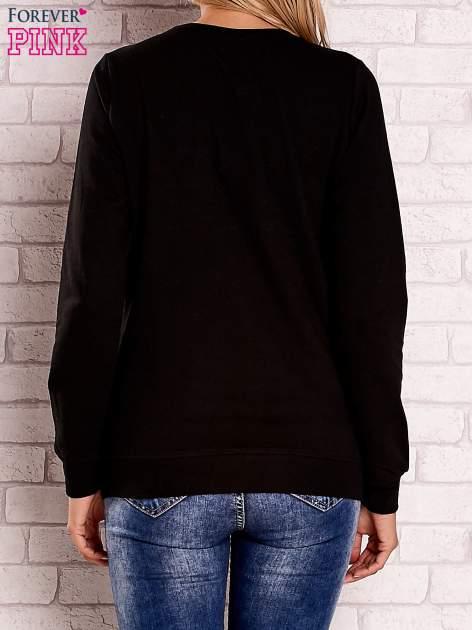 Czarna bluza z kolorowymi naszywkami                                  zdj.                                  4