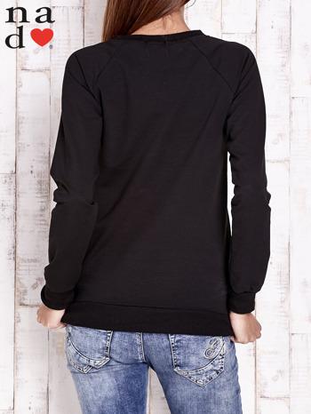 Czarna bluza z motywem dłoni                                  zdj.                                  2