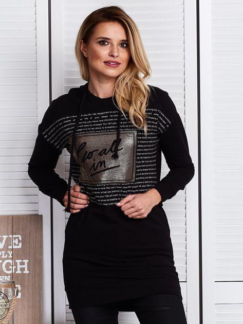 Czarna bluza z tekstowym printem                              zdj.                              1