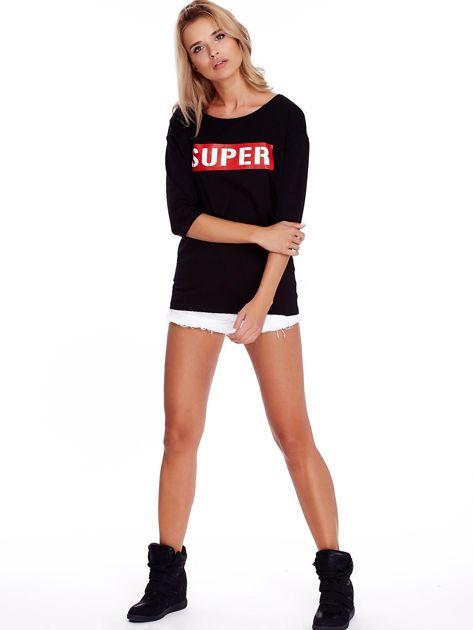 Czarna bluzka oversize z napisem SUPER                               zdj.                              4