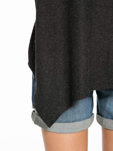 Czarna bluzka z asymetrycznym cięciem na dole                                  zdj.                                  13