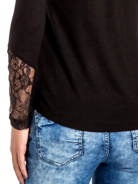 Czarna bluzka z koronkowymi wstawkami                                  zdj.                                  6