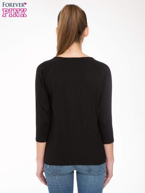 Czarna bluzka z marszczonym dekoltem i rękawkami 3/4                                  zdj.                                  4