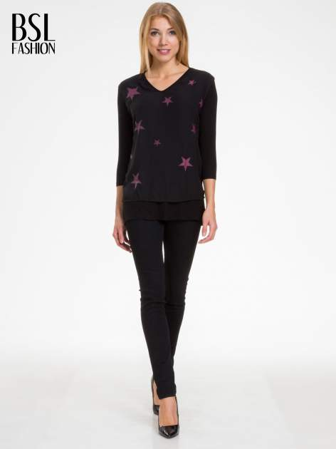 Czarna bluzka z nadrukiem bordowych gwiazdek                                  zdj.                                  2
