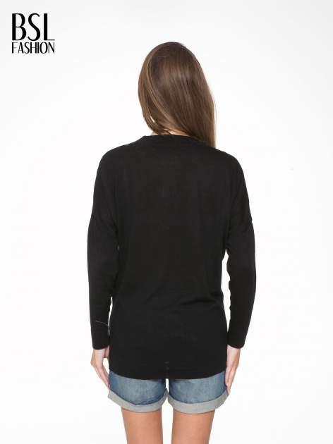 Czarna bluzka z obniżoną linią ramion                                  zdj.                                  4