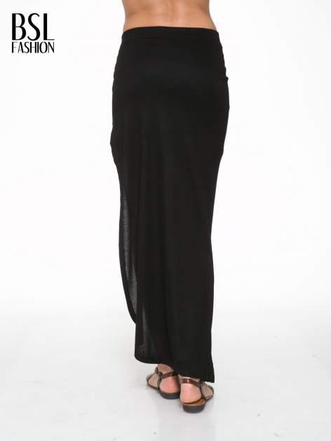 Czarna długa spódnica maxi z rozporkiem z boku                                  zdj.                                  4