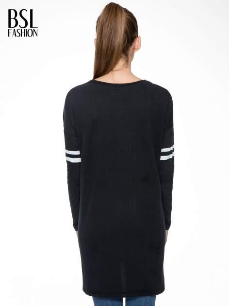 Czarna dresowa bluza z literą A w stylu baseballowym                                  zdj.                                  4