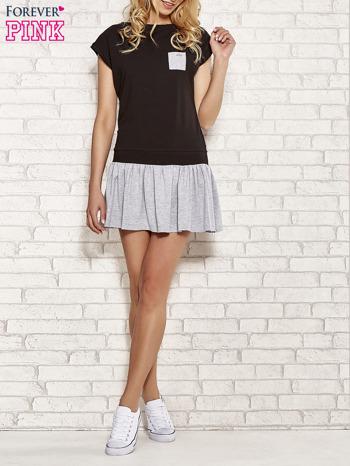 Czarna dresowa sukienka tenisowa z kieszonką                                  zdj.                                  2
