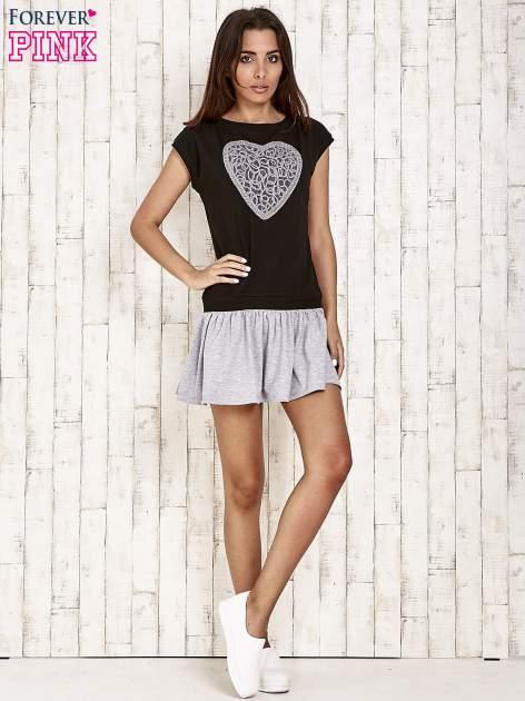 Czarna dresowa sukienka tenisowa z sercem                                  zdj.                                  4