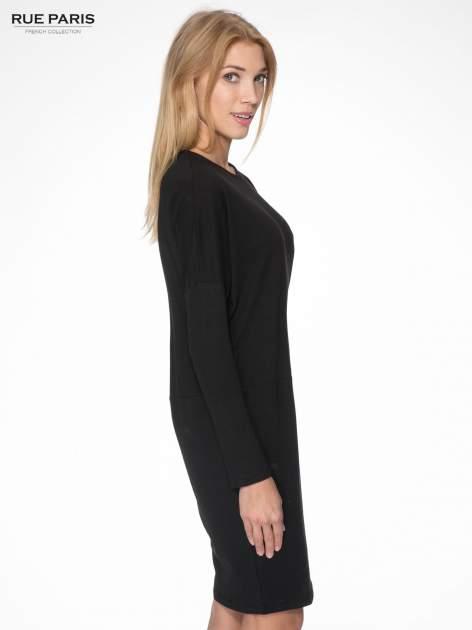Czarna dresowa sukienka z nietoperzowymi rękawami                                  zdj.                                  3